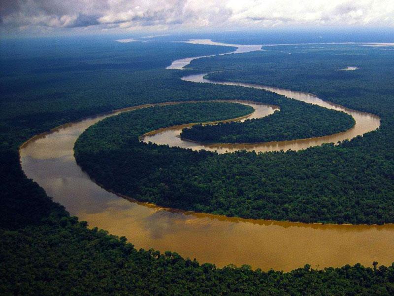 Amazonas: dois terços da água dos rios do mundo